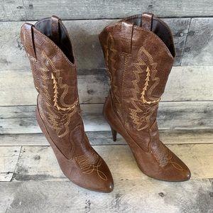 Ellie Heeled Cowboy Boots. Size 8